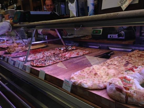 Eating Italy Tours: Pizza at Volpetti Più
