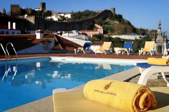Hotel Real D'Obidos: Piscina com vista para as muralhas