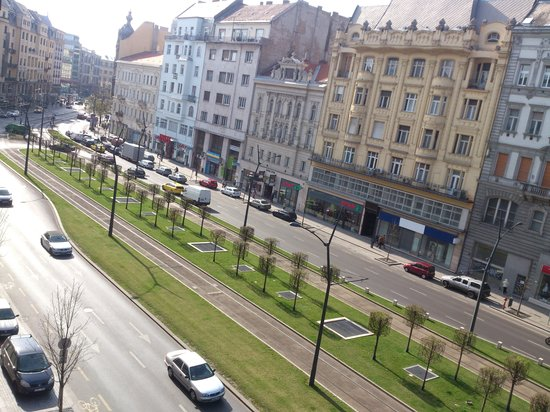 K9 Residence: Budapest K9 - view out from window: Karoly körut