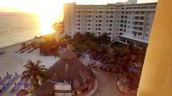 Casa Maya Cancun : Building one from our room