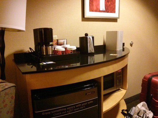Cambria hotel & suites Raleigh-Durham Airport: cute little coffee area in room