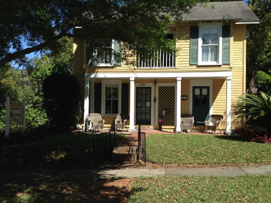 Mount Dora Historic Inn : Great curb appeal!