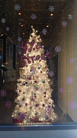 Night Times Square: Christmas at Night Hotel!