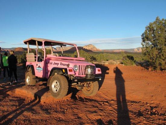 Pink Jeep Tours Sedona : Jeep Parking