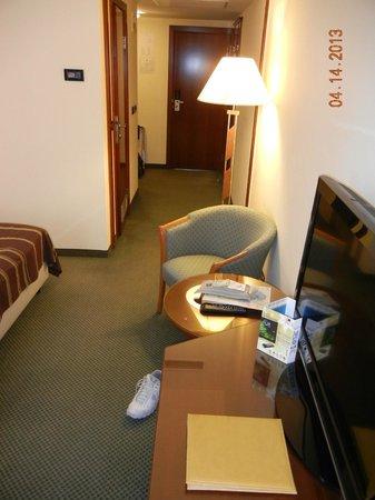 Room - 2 singles - Hotel Dubrovnik, Zagreb Croatia
