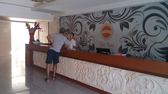 The Sun Hotel & Spa, Legian: receptionist