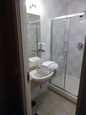 Maldron Hotel Parnell Square: Bathroom