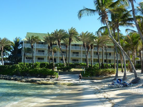 St. James's Club & Villas : Our Rooms from the beach view