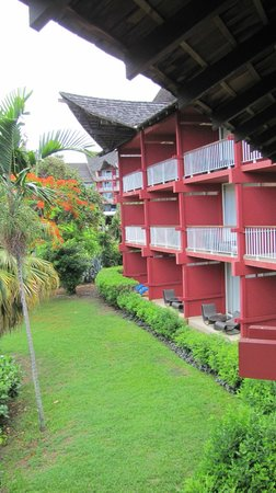 Le Meridien Tahiti: Rooms from the outside