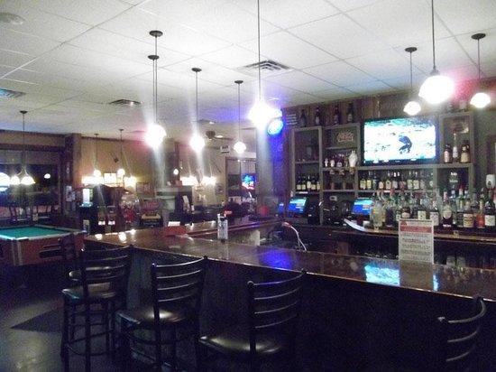 Barn Board Grill & Saloon: Bar and Grill Near Hudson, WI