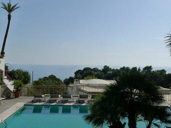 Hotel Canasta: LOCATION