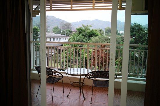 Baan Klang Hua Hin Condo & Resort: ระเบียง