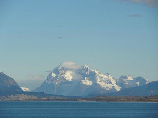 Weskar Patagonian Lodge : glaciar Balmaceda y Serrano desde el balcon