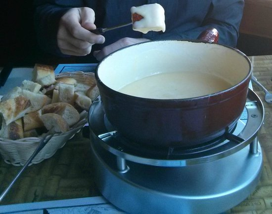 Grizzly House Restaurant: Cheese Fondue for Two (Swiss Cheese, French Bread)
