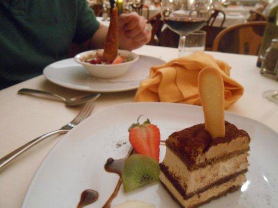 La Basilica Restaurant: Tiramisu