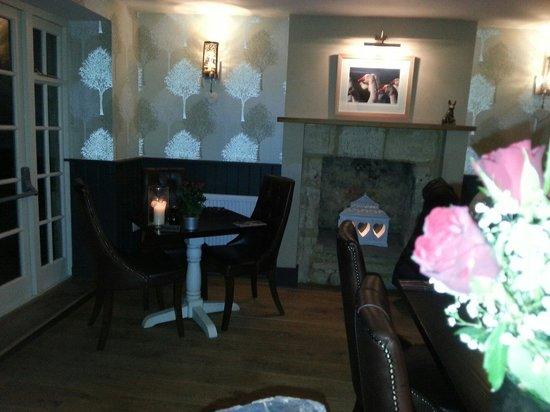 Wychwood Inn: Winter room at valentines
