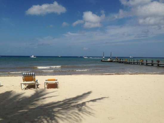 Iberostar Cozumel : Beach and pier
