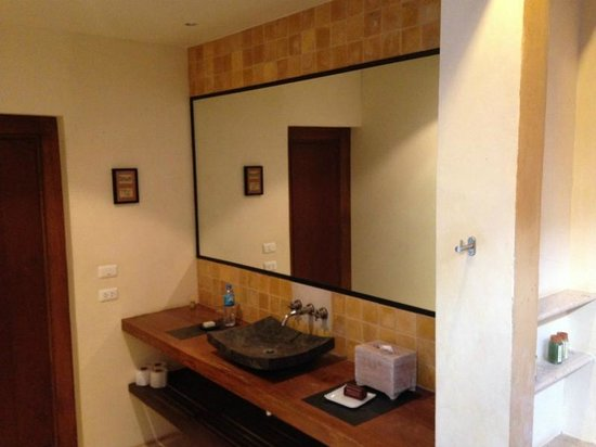 Alanta Villa: Bathroom