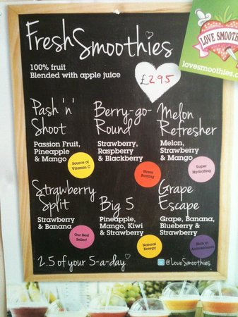 Cafe Aromas: Fresh Smoothies 2.5 of your 5 a day