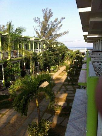 Fun Holiday Beach Resort: Cute place