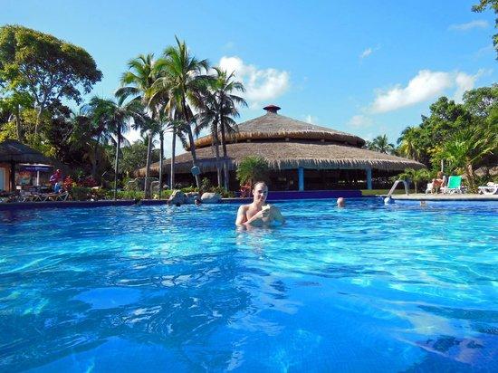 Hotel Riu Tequila : La Piscine