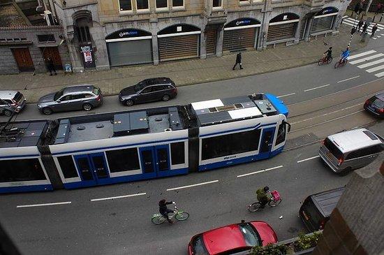 Hotel Aspen : под окном трамваи