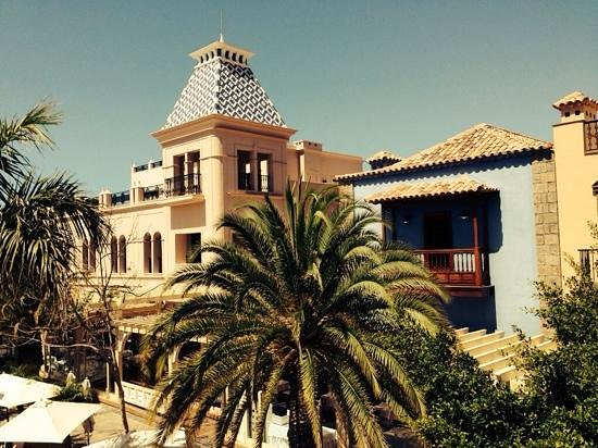 Lopesan Villa del Conde Resort & Corallium Thalasso: Who lives in a house like this