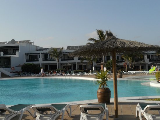 Costa Sal Villas and Suites: Large Pool
