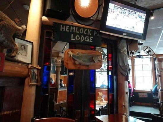 Adirondack Pub & Brewery: Nice Decor