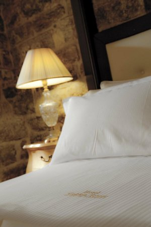 Golden Tower Hotel & Spa : Tower Stone