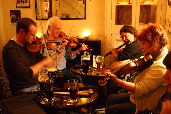 Miltown Malbay, Ireland: Lynches Bar - Traditional Irish Music Session -