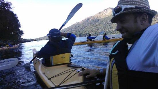 Cuadrante Sur Kayak Bariloche: Remando con mi hermano hasta el atardecer, magico!