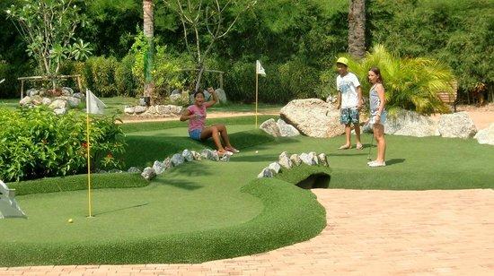 Phuket Adventure Mini Golf: Yes!