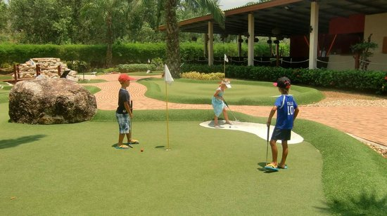 Phuket Adventure Mini Golf: Fun for both kids and adults