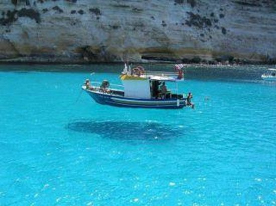 Castrignano del Capo, Italia: Vivi l'emozione di una escursione indimenticabile nelle splendide acque di S.M. di Leuca!!!!