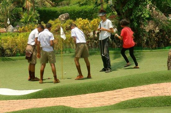 Phuket Adventure Mini Golf: Thai teenagers enjoying their adventure mini golf round