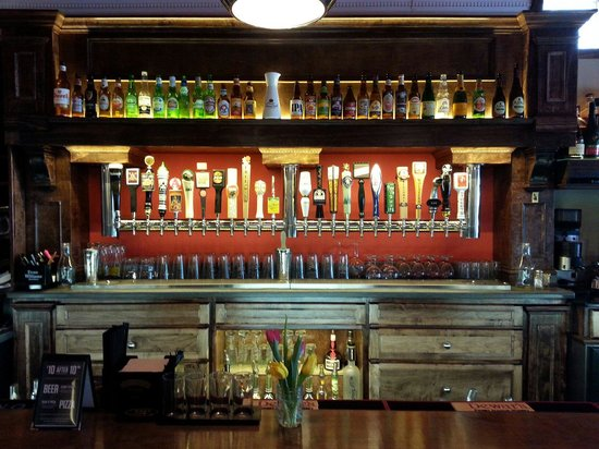 Pag's Pub & Pizza: 24 drafts and many bottle beer choices!