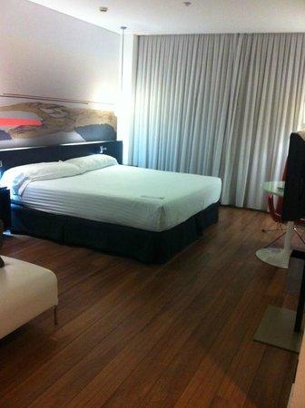 Axor Barajas Hotel : Habitación