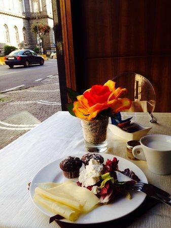 Hotel Naples: Завтрак