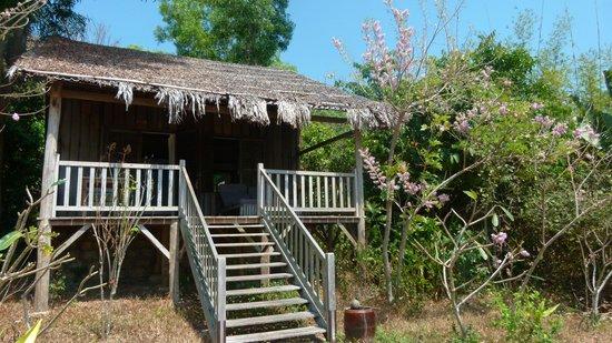 Mango Bay Resort: Un bungalow