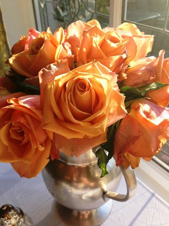 Mirabelle Inn: Table roses