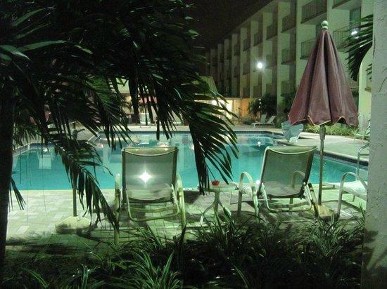 Ramada Hialeah/Miami Airport: A vista agradável do nosso quarto.