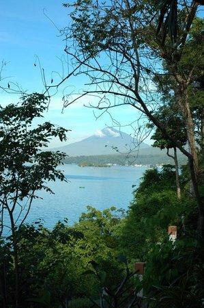 Lembeh Resort: Strait and volcano view