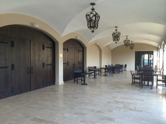 Los Mandarinos Boutique Spa & Hotel Restaurant: Patio by Events Suite, breakfast served here