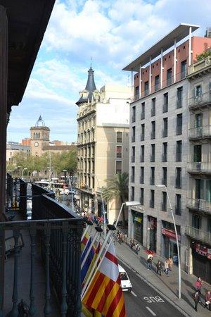 Lleo Hotel : Uitzicht kamer