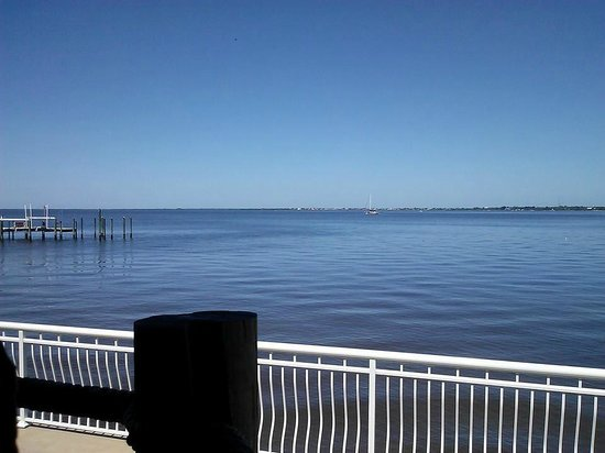 Hurricane Charley's Raw Bar And Grill: The view