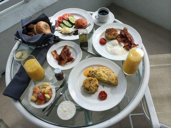 Fontainebleau Miami Beach: yummy