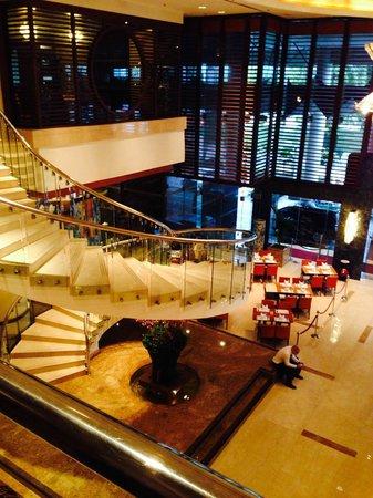 Pullman Kuala Lumpur City Centre Hotel And Residences : Lobby View from Mezanine Floor