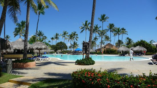 Punta Cana Princess All Suites Resort & Spa: Main Pool