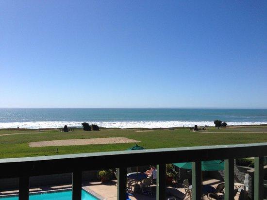 BEST WESTERN PLUS Cavalier Oceanfront Resort: View from room 260